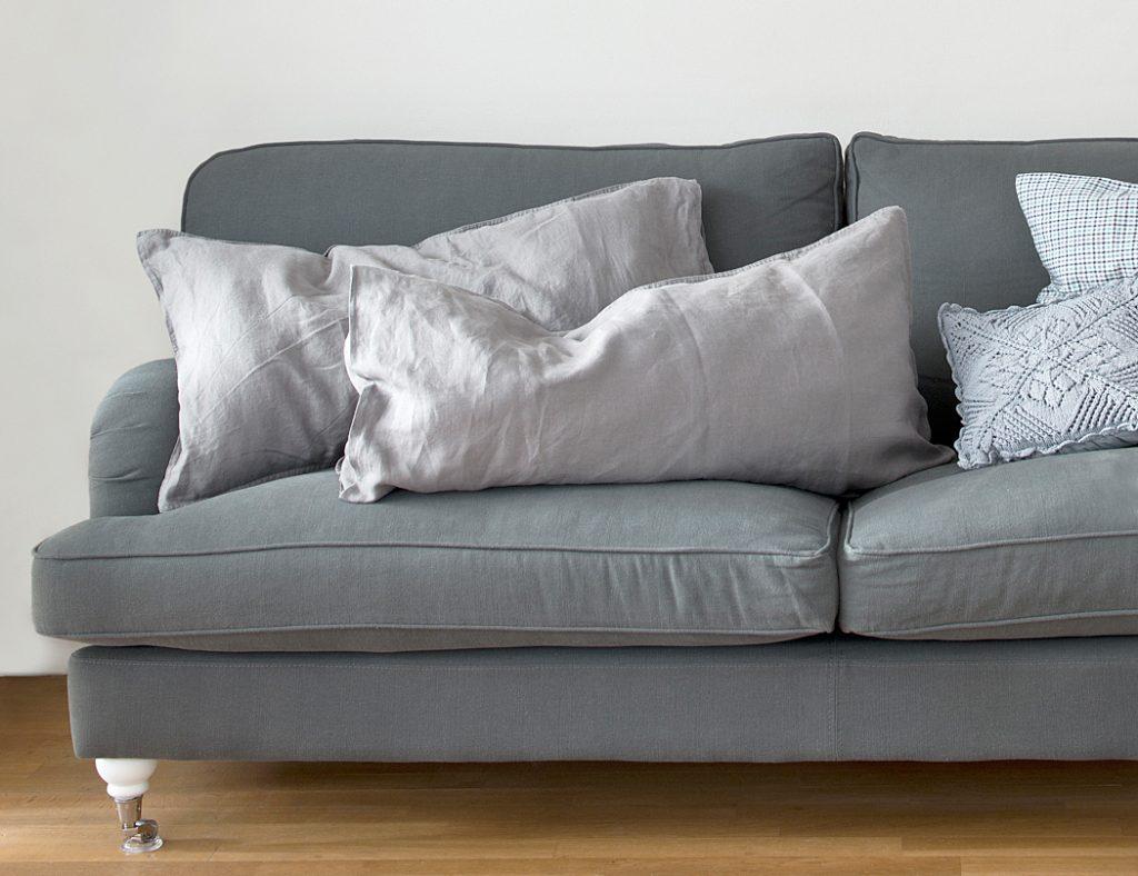 Hauptsache ihr habt ein Sofa!