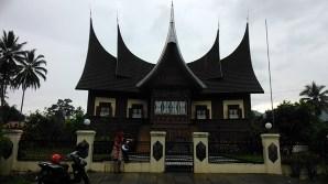 Rumah Adat Bakewi Payakumbuh