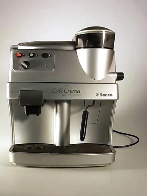 Silberner Kaffee Vollautomat