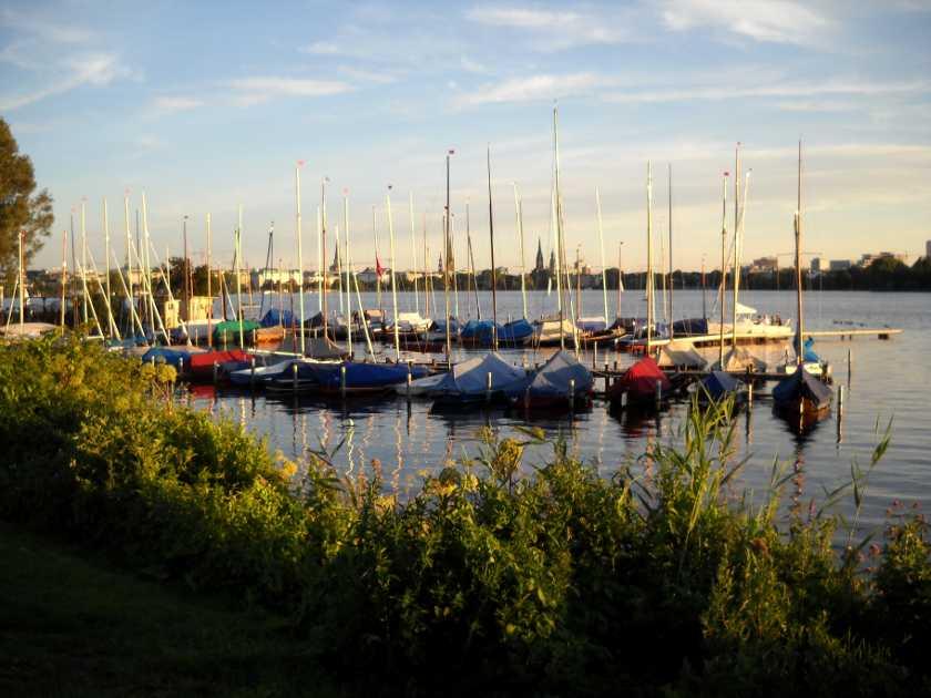 Hamburg Außenalster yachten