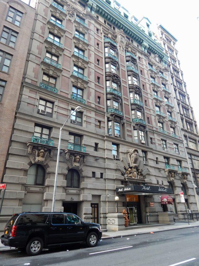 Hotel Wolcott New York von außen