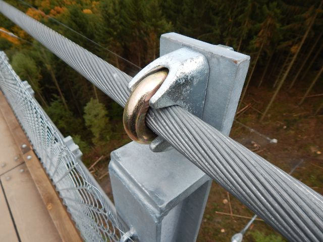 Stahlverbindung Hängeseilbrücke Geierlay
