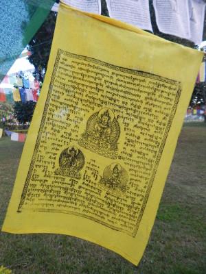 Gebetsflagge gelb in Nepal