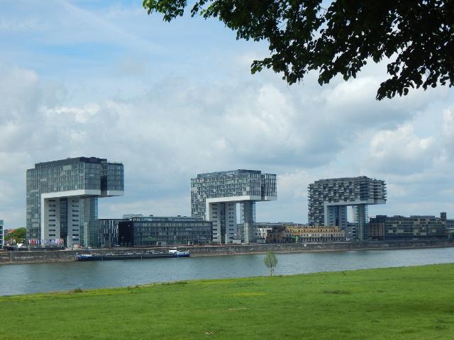 Die drei Kranhäuser im Rheinauhafen Köln