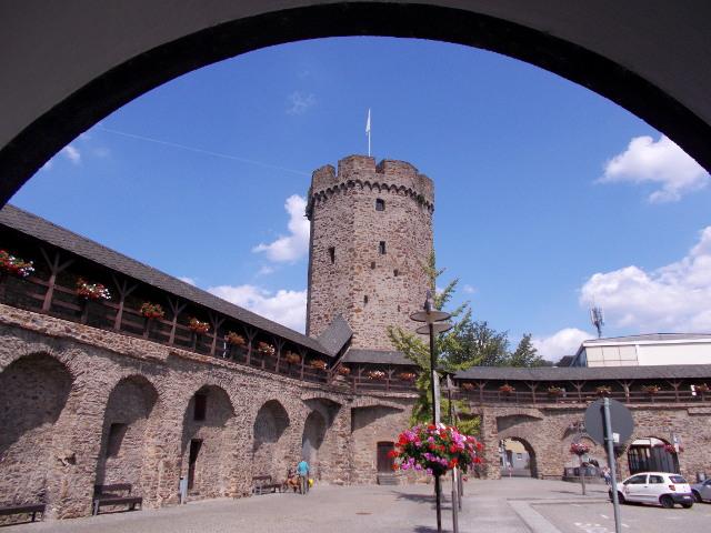 Stadtmauer Lahnstein mit Hexenturm.