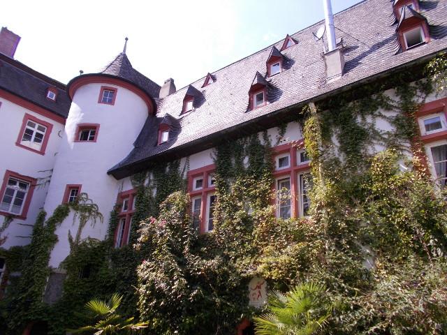 Innenhof der Martinsburg in Lahnstein.