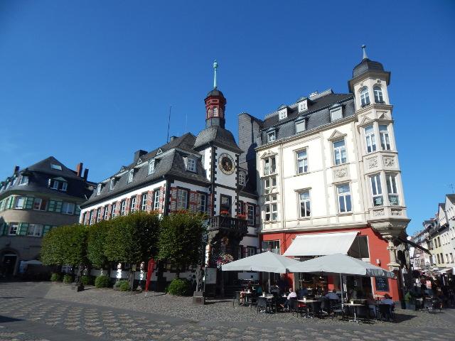 Marktplatz Mayen mit Rathaus.