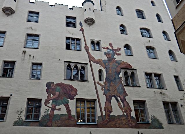 Der Kampf zwischen David und Goliath, Zeichnung auf dem Goliathaus in Regensburg