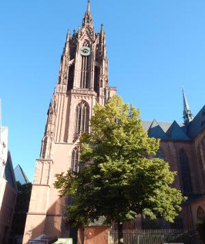 Der Kaiserdom Frankfurt in der neuen Altstadt