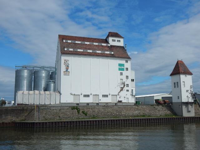 Der Bayernhafen in Bamberg, Anlegestelle für Kreuzfahrtschiffe