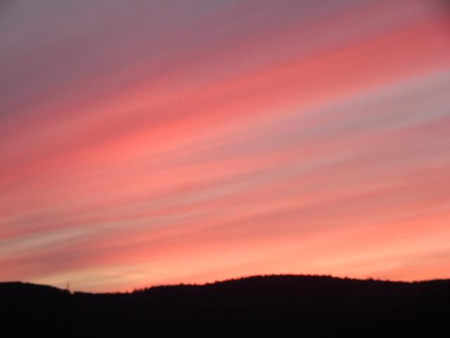 Sonnenaufgang am Rhein, die Farben in der Bürgerlichen Dämmerung