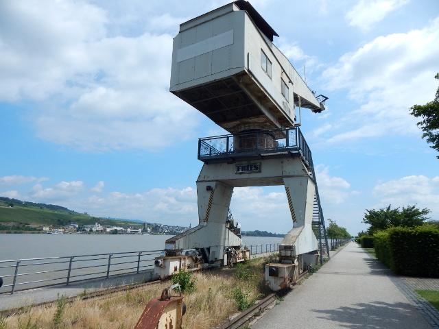Historischer Drehkran in Bingen am Rhein