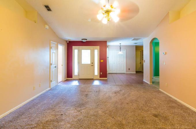 bold color choices and home staging