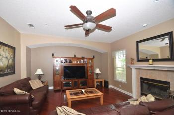 competing focal points in home staging