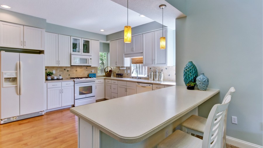 Make sure you use the right size bar or counter stools when staging a home