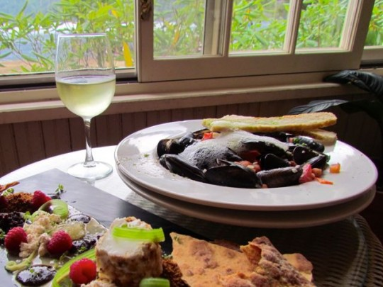 Penn Cove Mussels And Local Cheeses