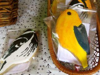 Artistic bird cookie