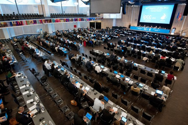 """Opening Ceremony of the Fortieth Session of the IPCC, Copenhagen, Denmark, 27 October 2014"" Photo Credit: IPCC (https://www.flickr.com/photos/ipccphoto/15649942331/)"