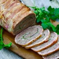 Baconfarsbrød med skinke, ost og spinat