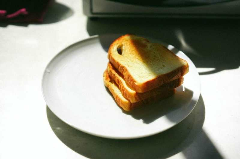 can-you-toast-frozen-bread-2