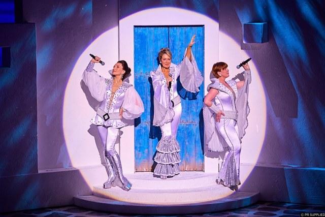 THEATRE REVIEW | Mamma Mia, Brighton Centre