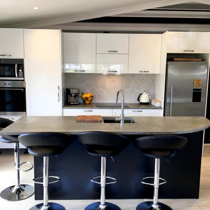 Kitchen Island and benchtop – Private Client