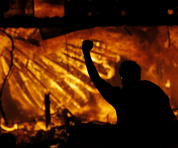 Rioters Torch Minneapolis Police Station, National Guard Activated