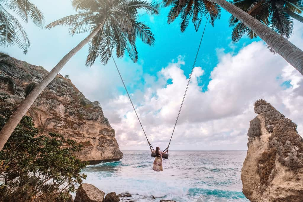 diamond beach swing, Nusa Penida