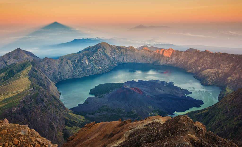 Mount Rinjani, most beautiful places to visit in Indonesia