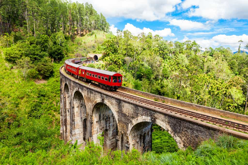 Nine Arch Bridge, sri lanka