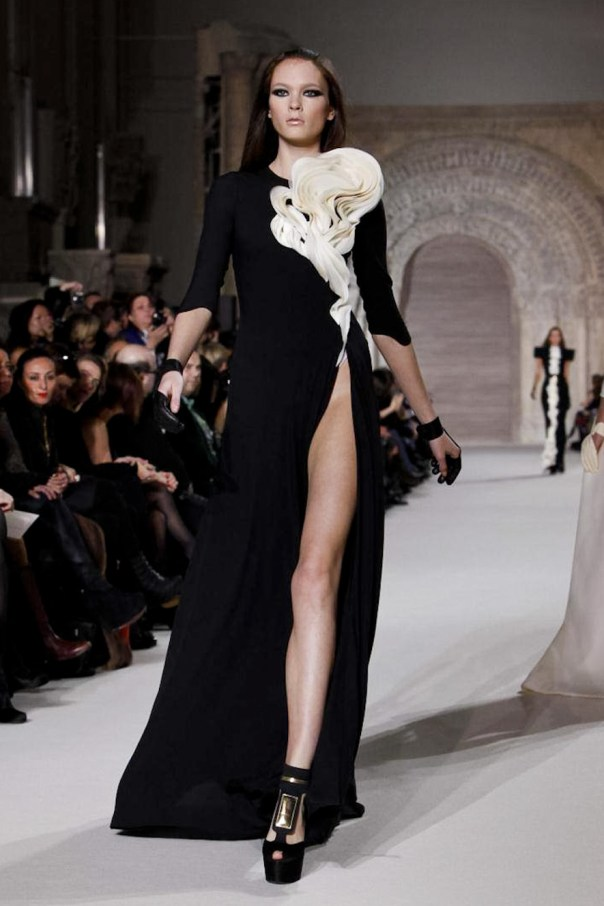 Stephane Rolland Spring 2012 Haute Couture Show