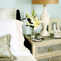 night table decor options