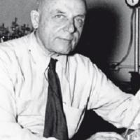 Dr. Otto Warburg, The Man Who Discovered The Cause Of Cancer Wrote A Book On Curing It