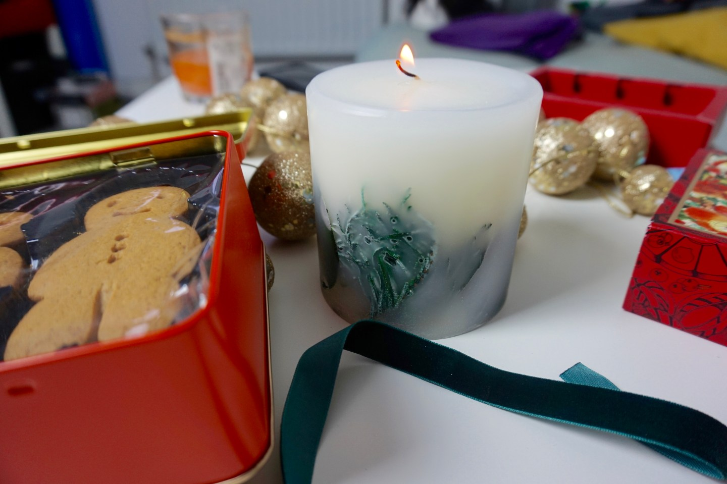 crabtree-evelyn-london-raychel-says-christmas-gift-guide-candle-botanical