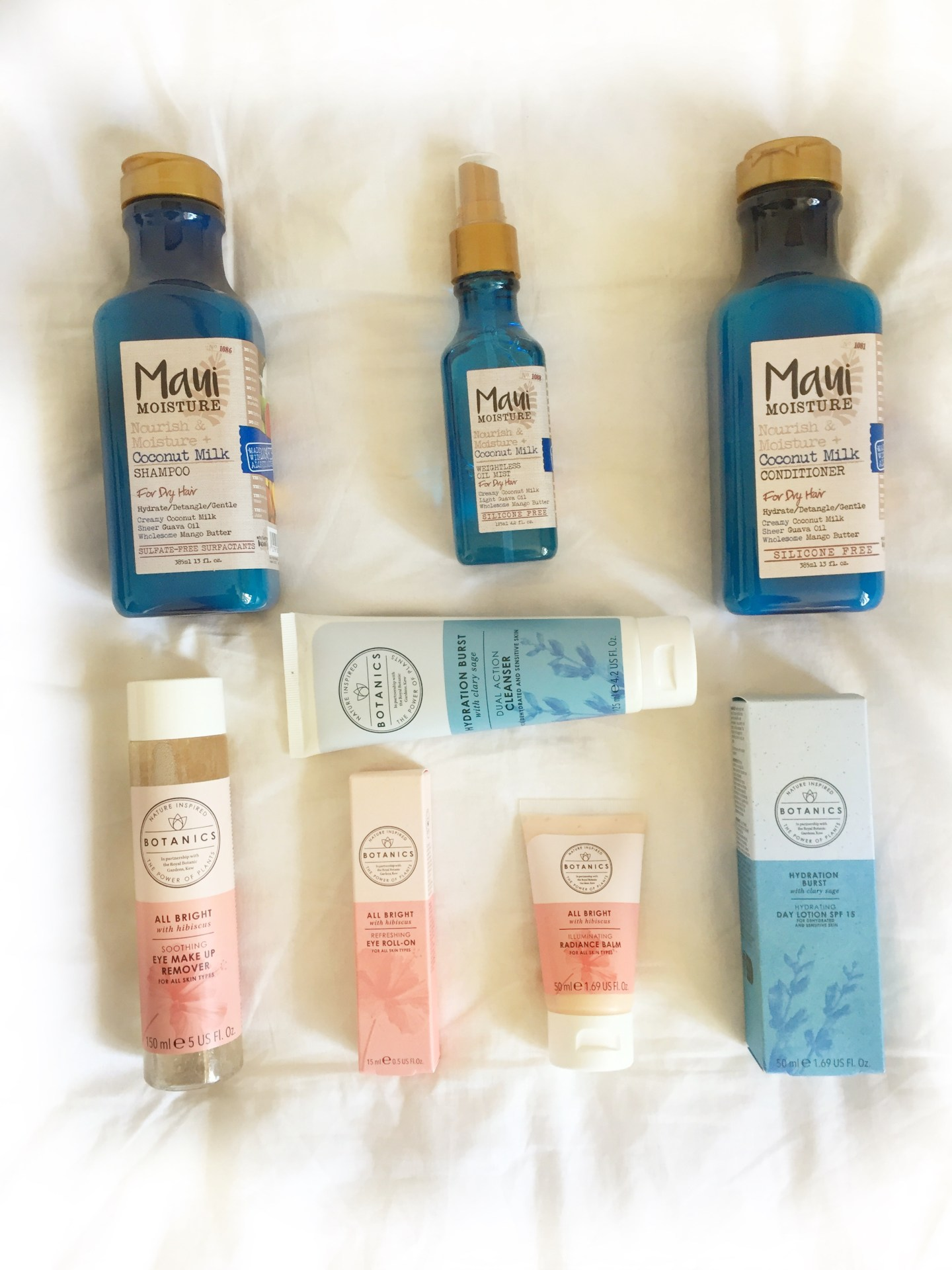 raychel-says-blue-pink-white-sheet-botanics-maui-moiusture-giveaway