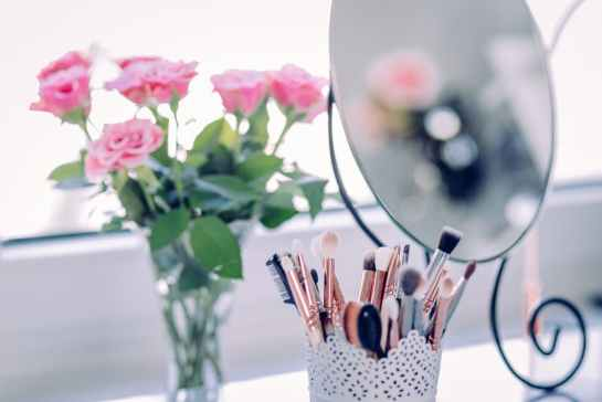 wedding-roses-brushes-white-pink