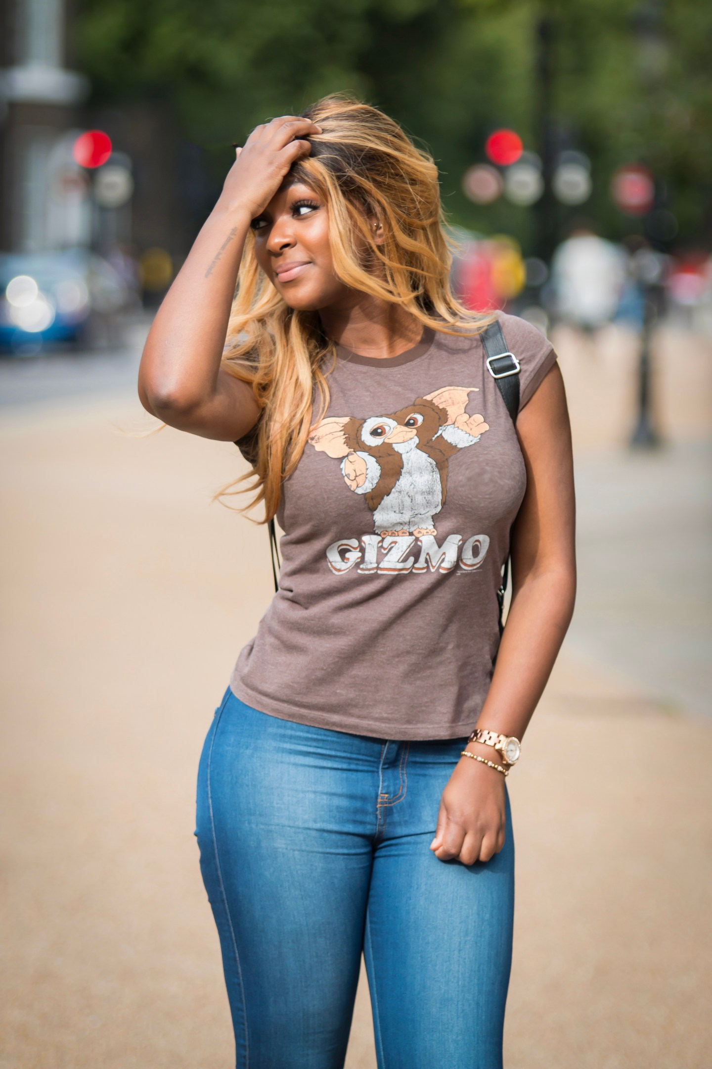 raychel-says-brown-gizmo-top-fashionova-blue-jeans
