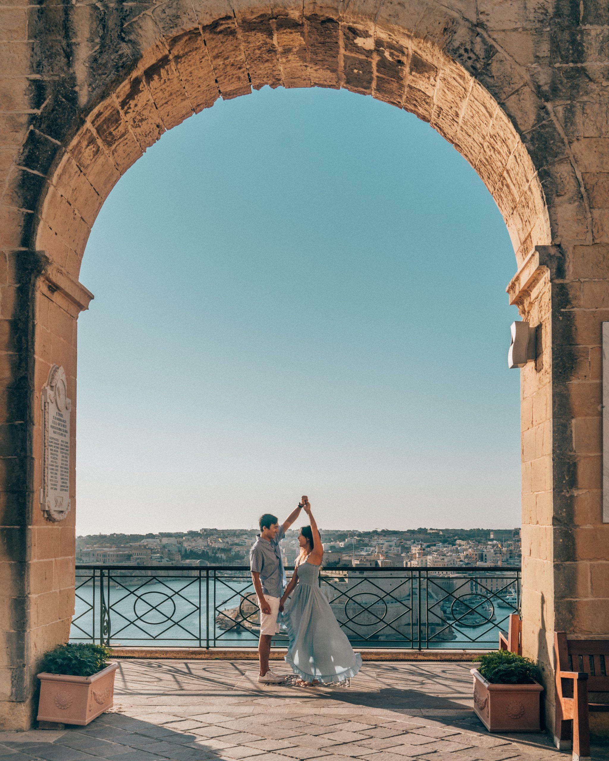 couple malta travel