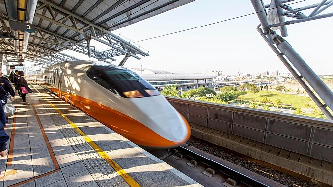 taiwan goes fast with the whole country train