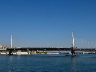 Most metroa Halić