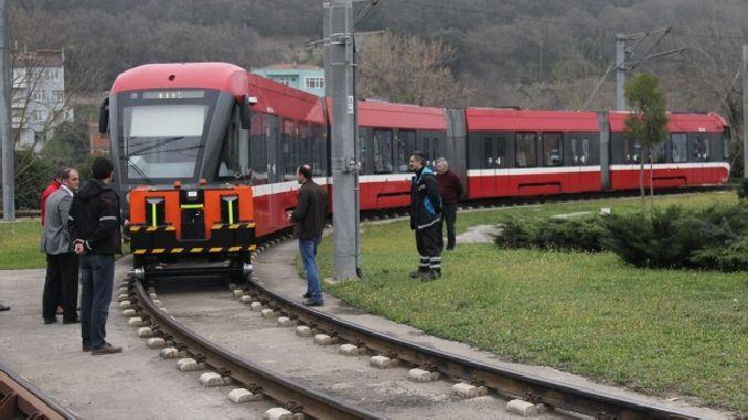 turk muhendisler yerli ve milli tramvay cekici uretti