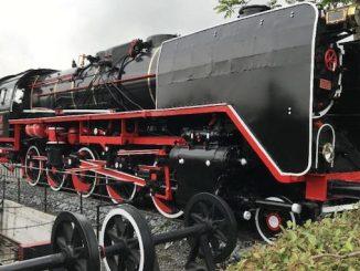 гигантский локомотив