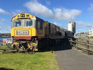 Ein unbemannter Yuk-Zug fährt in Australien