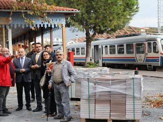 قدم ak partili yavuz استجواب في محطة السكة الحديد