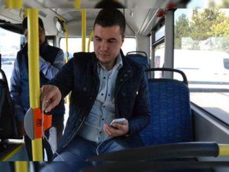 Το ταξίδι του λεωφορείου εγώ άρχισε να ταξιδεύει