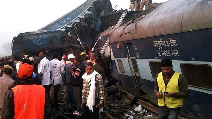 India train crash 100