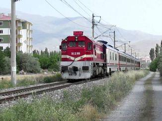 malatyalilar 4 eylul mavi trenini geri istiyor
