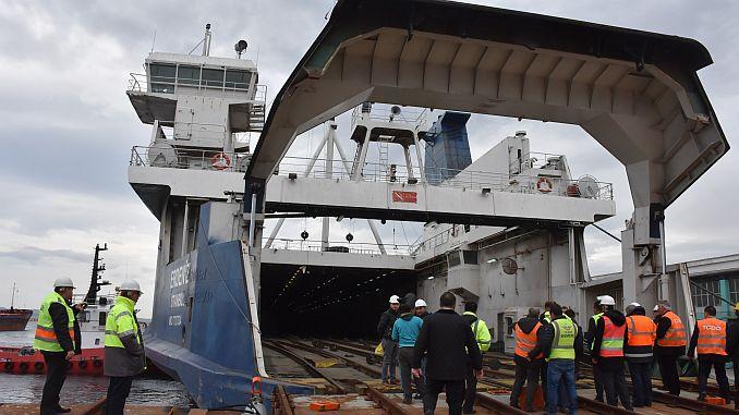 Erdeniz biggest railway ferry turkiyenin ready for the first time