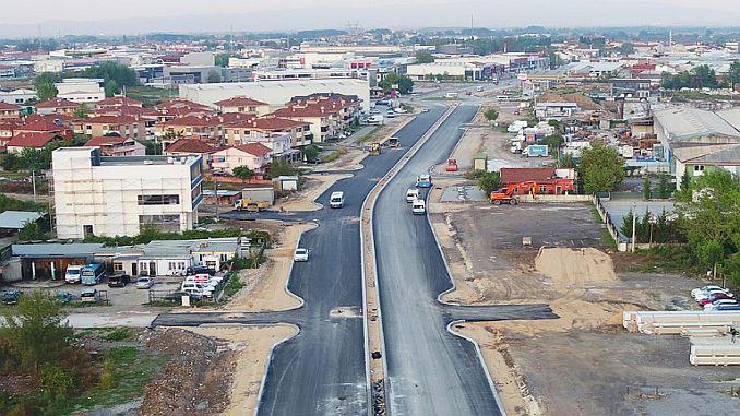 uluyol caddesinde devam eden yeni duble yola yeni kavsak