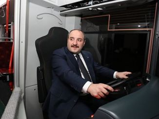 minister varank bozankayatested the environmentally friendly bus produced by